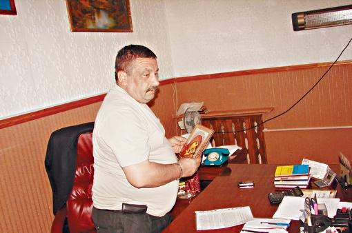 Руководитель исправительного центра, по словам заключенных, и сам занимался рукоприкладством. Фото: missia.od.ua.