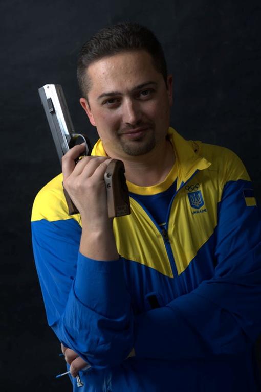 Роман завоевал золото в стрельбе из мелкокалиберного пистолета с 25 метровой дистанции. Фото: личный архив.
