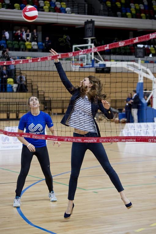 Кейт приехала на благотворительное мероприятие британской спортивной организации и в очередной раз покорила сердца поклонников. Фото: REUTERS