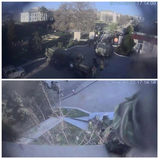 БТР выбил ворота. Фото: соцсети