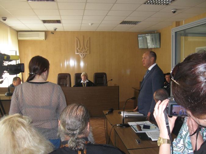 Александр Федорович просит поменять судью, так считает мнение Ларисы Гольник предвзятым. Фото: Олеся КУЧЕРЕНКО