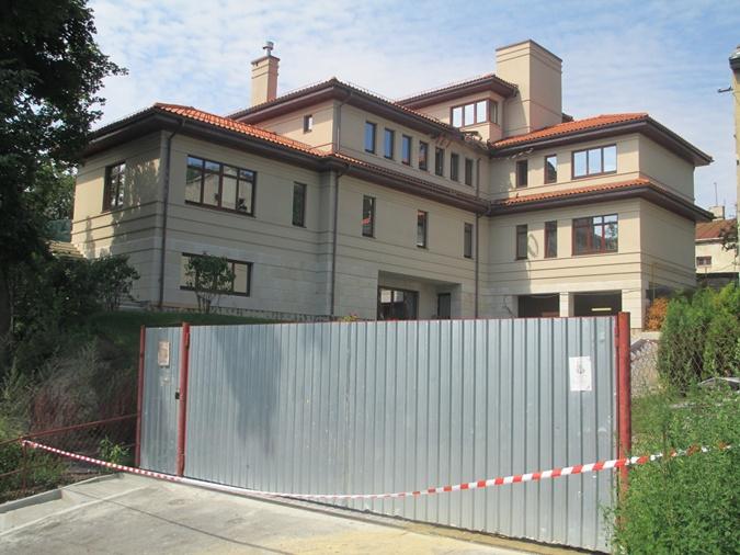 В этот дом на улице Стрелецкой мэр Львова Андрей Садовый вместе с семьей въехал лишь в марте этого года. Фото: Ольга Кухарук.