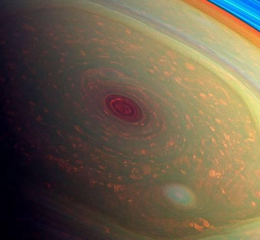 Диаметр шестигранника из вихрей составляет около 30 тысяч км. Фото: Global Look Press