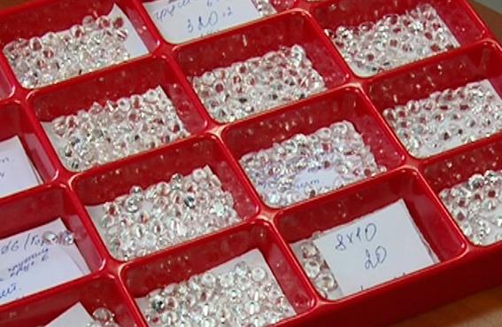 Готовые к продаже драгоценности. Фото пресс-службы милиции Житомирской области.