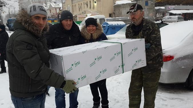 Из коробки получился бокс для перевозки птицы . Фото: соцсети