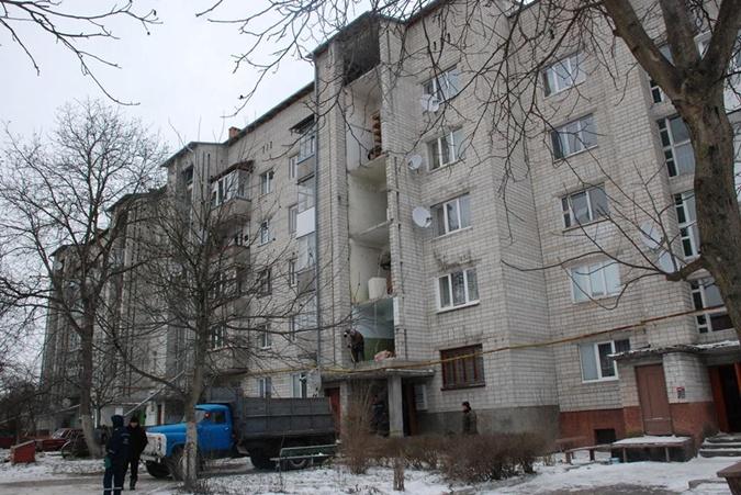 Во время обвала части стены по счастливой случайности никто не пострадал. Фото: ГСЧС Украины во Львовской области.