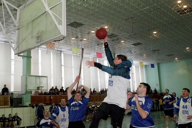 А из Селезнева мог бы получиться баскетболист. Фото: Павел ДАЦКОВСКИЙ
