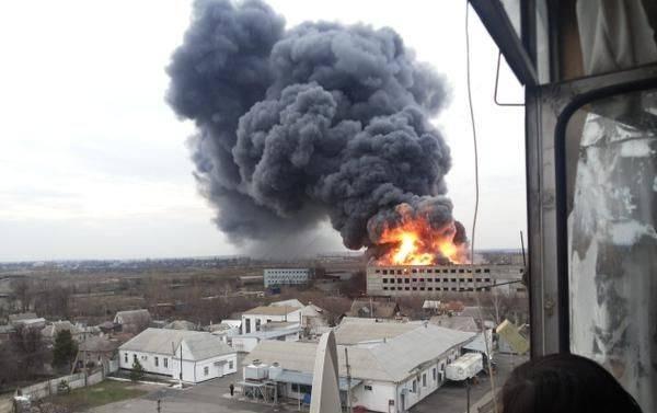 В Новомосковске сгорело почти 2 тысячи квадратных метров полимерного завода.