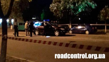 Автомобиль буквально изрешечен пулями. Фото: roadcontrol.org.ua