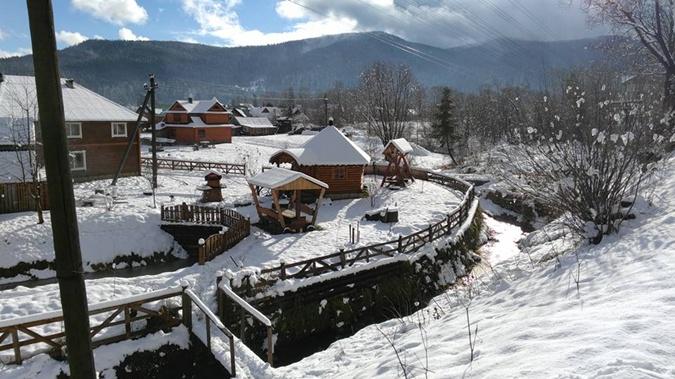 В горах снега по колено. Фото: ФБ Татьяна Гончарова