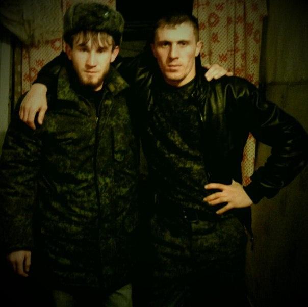 Хасиев, предположительно, с братом, также убитым в Сирии.
