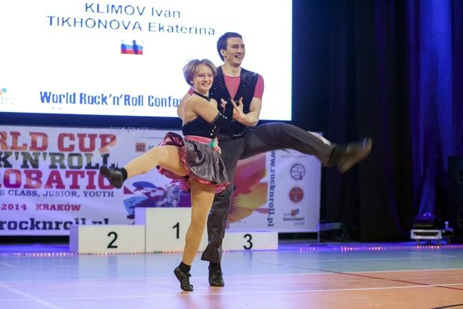 В 2013 году Тихонова со своим партнером заняла пятое место на чемпионате мира в Швейцарии по спортивному рок-н-роллу.