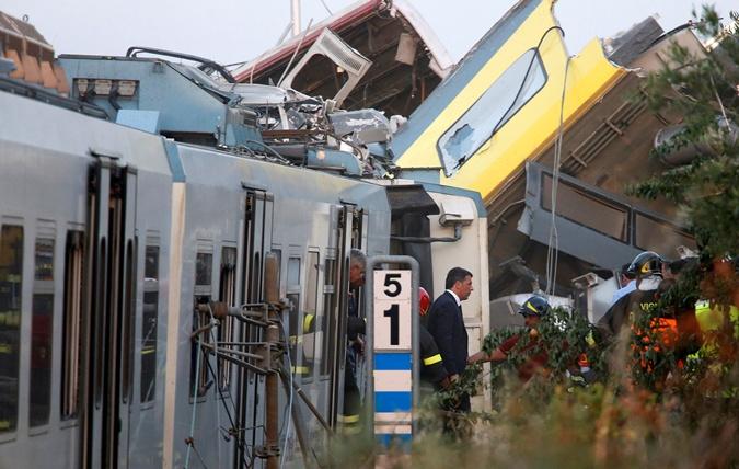 На место трагедии в тот же день прибыл премьер Италии Маттео Ренци