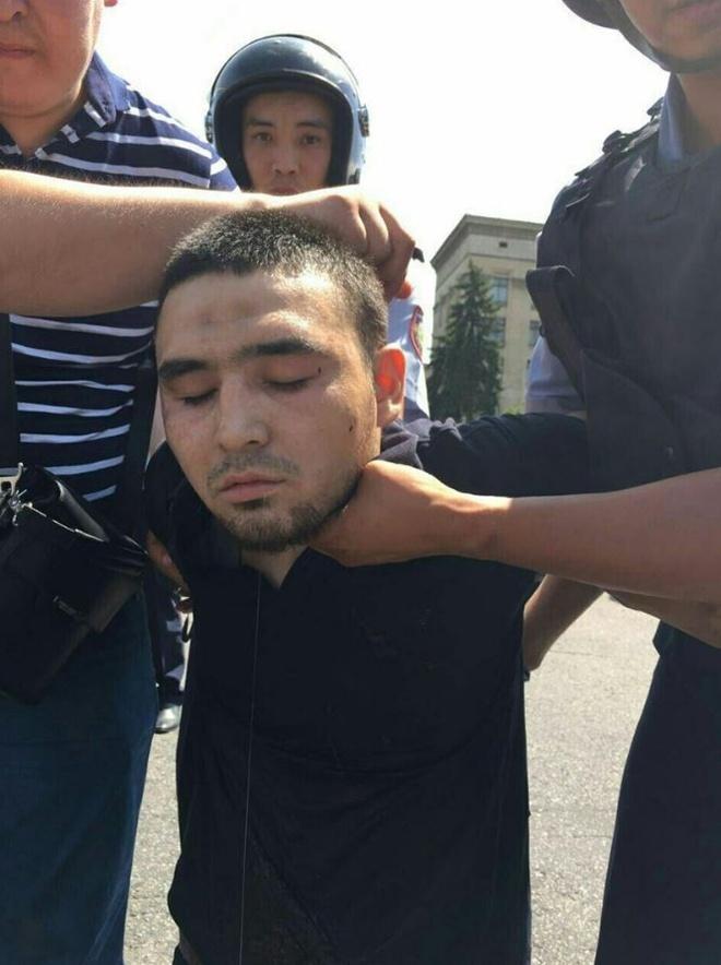 Один из нападавших задержан.