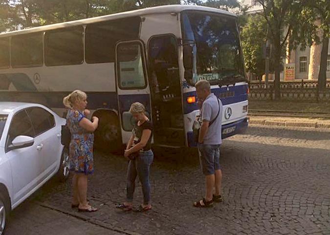 Автобус предприниматели наняли вскладчину для поездки на вещевой рынок Одессы. Фото: ФБ Павел Кузьменко