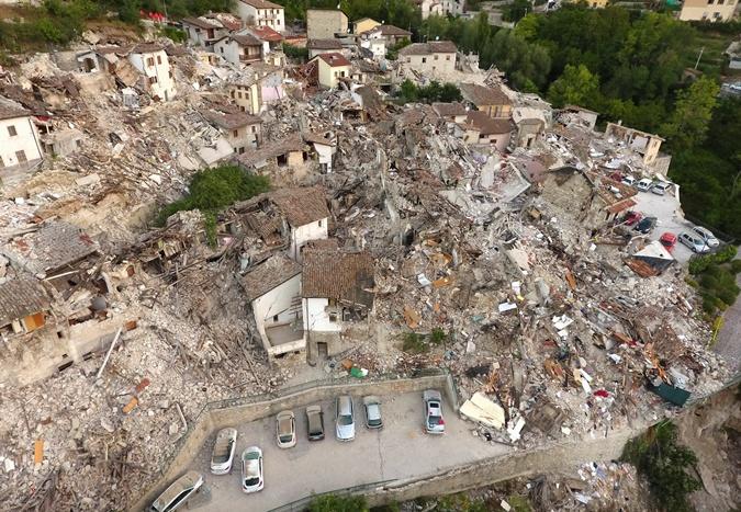 Так сейчас выглядит центр Пескара-дель-Тронто - небольшого города в Апеннинах в 200 км от Рима.