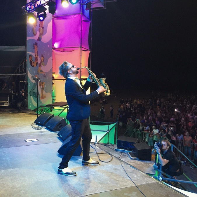 Коллектив Max the sax стали ярким завершением первого дня фестиваля. Фото: соцсети