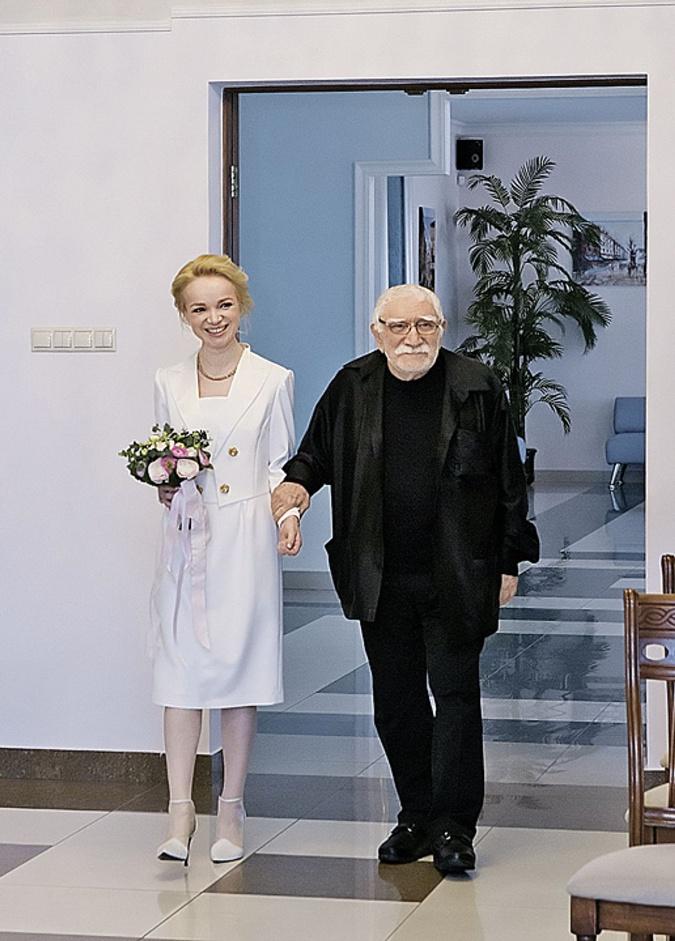Армен Борисович и Виталина официально зарегистрировали брак в феврале 2016 года.