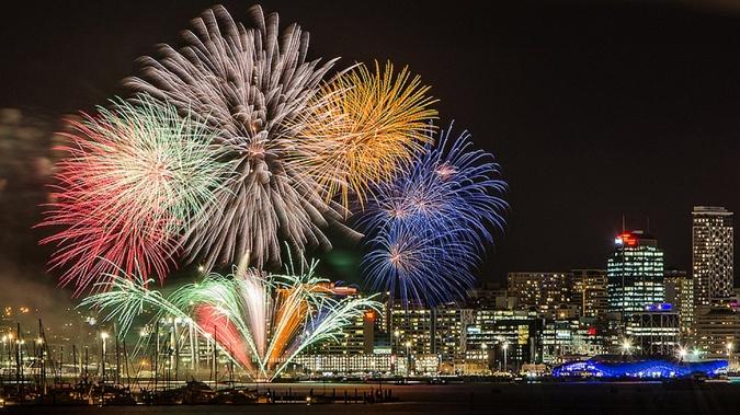 По нашему времени Новый год в Новой Зеландии наступит в 13:45.