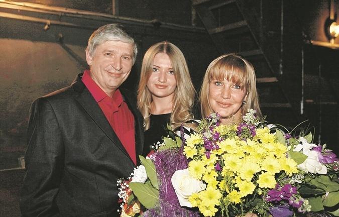 Елена Проклова с бывшим супругом и дочерью.