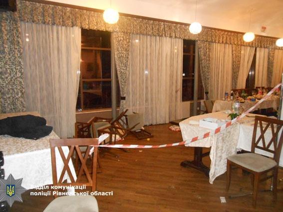 Пьяный муж устроил погром в ресторане. Фото: rv.npu.gov.ua