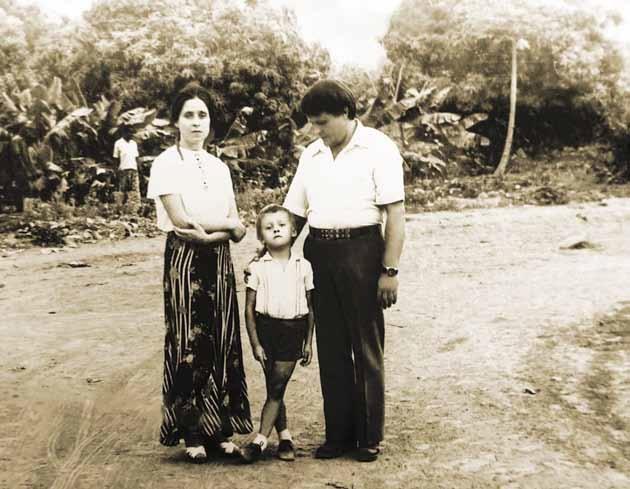 В первый класс Борис пошел в школу в Африке, где работали его родители.