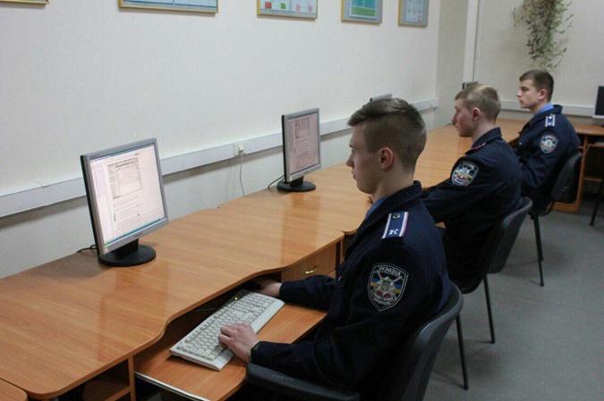 Занятия винформационно-аналитической лаборатории.