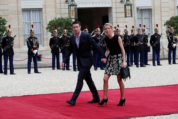 Падчерица Макрона с мужем на инаугурации.