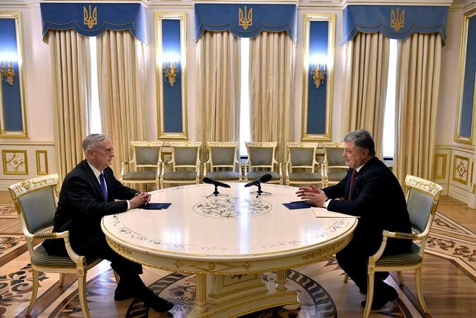 Встреча Мэттиса и Порошенко в АП.