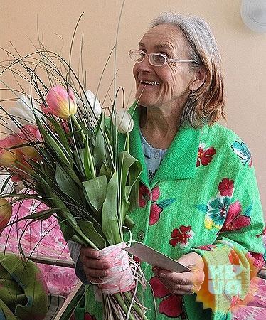 Пенсионерка родила девочку в 2011 году, в 65 лет.