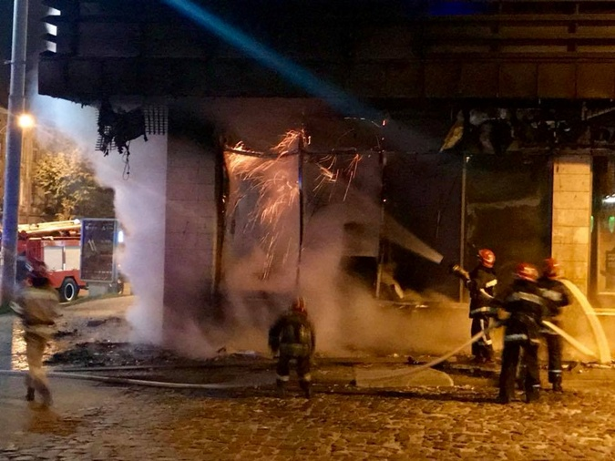 ВоЛьвове ночью сгорело отделение «Сбербанка»