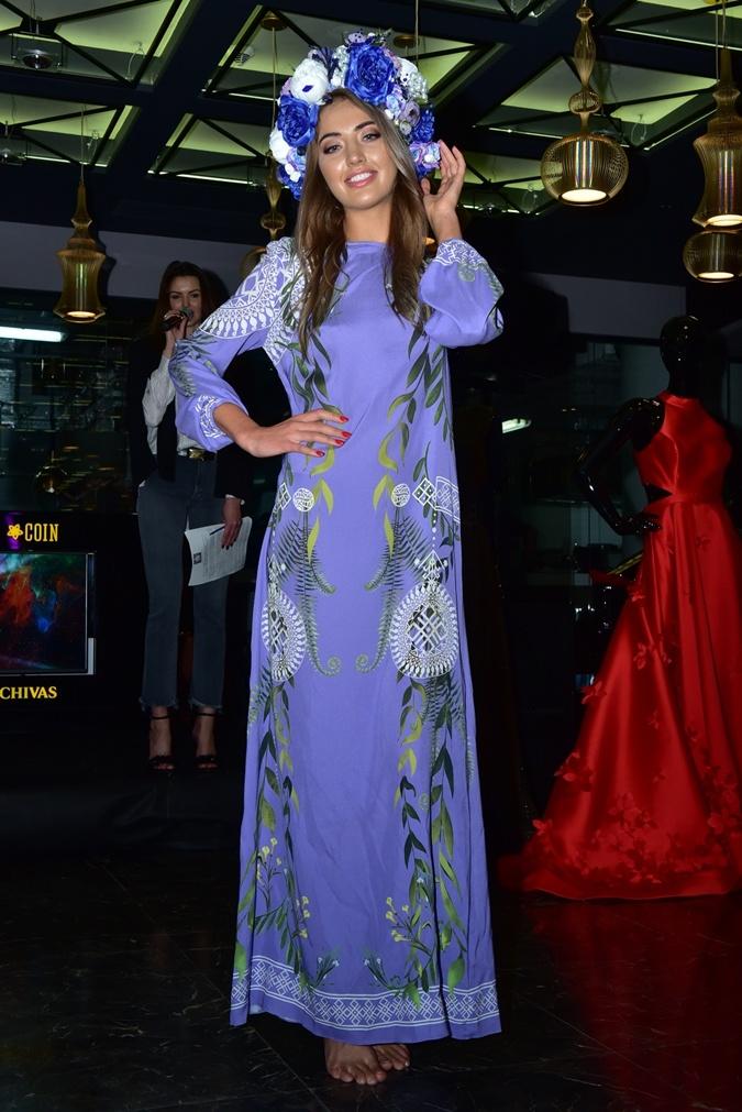 Украинские Мисс показали платья для международных конкурсов: тысяча бабочек, тайные руны и сияющие колосья фото 1