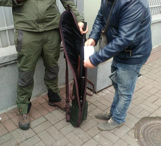 У Рады задержали одессита с оружием фото 2