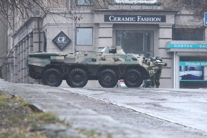 БТР в центре Луганска.