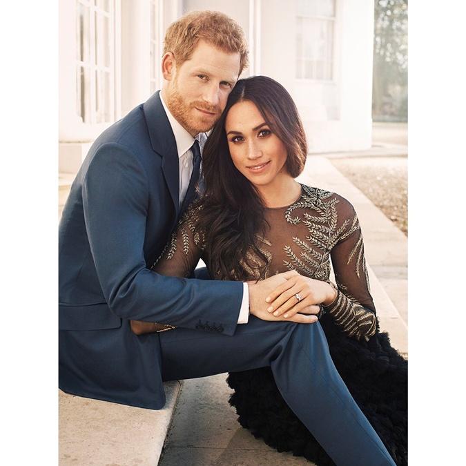 Размещены официальные фото принца Гарри иМеган Маркл напомолвке