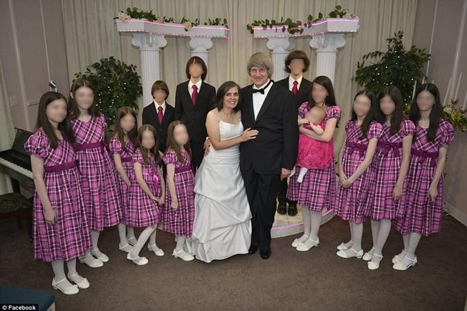 Семья Турпин и их 13 детей. Фото: REUTERS