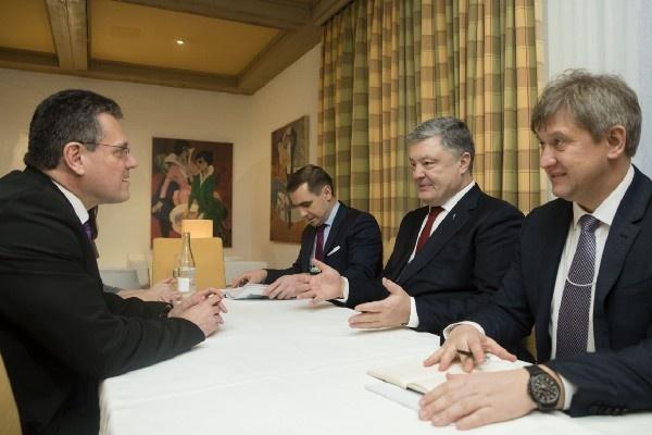 Порошенко встретился с вице-президентом Энергетического союза Марошем Шефчовичем.