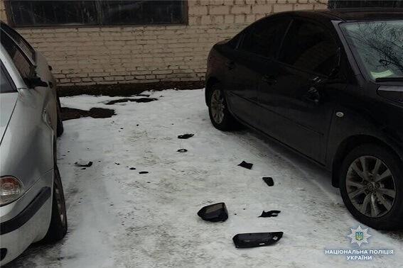 Погромщик машин возле Соломенского суда приехал из Одессы фото 1