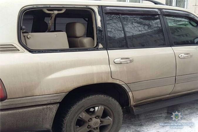 Погромщик машин возле Соломенского суда приехал из Одессы фото 2