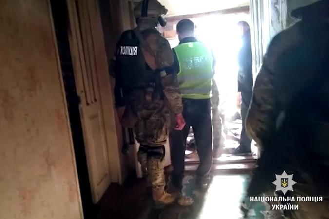 НаВинничине КОРД обезвредил нетрезвого мужика, стрелявшего по милиции