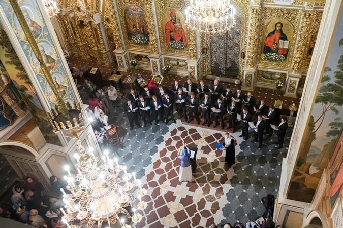 От темноты к свету: Мужской хор AgiaDimitra даст в Киеве  уникальный