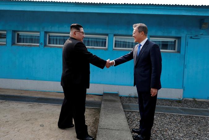 Прекращение вражды и саммит с участием США: что сказано в декларации КНДР и Южной Кореи фото 2