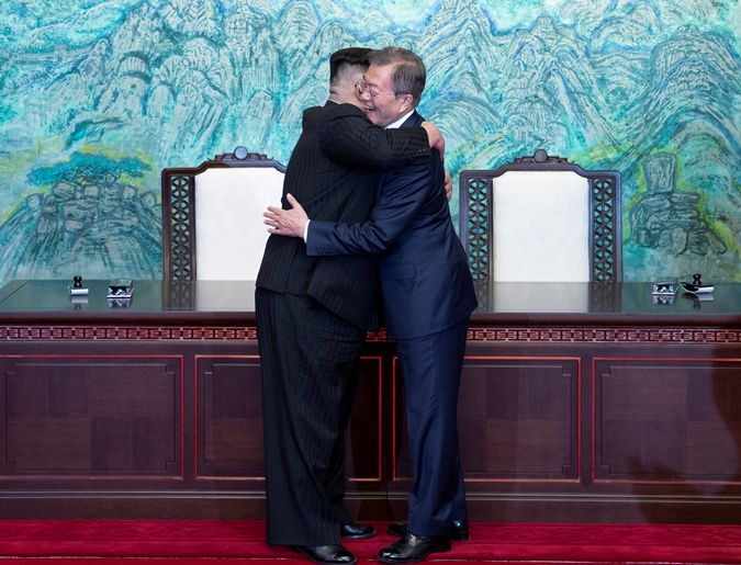 Прекращение вражды и саммит с участием США: что сказано в декларации КНДР и Южной Кореи фото 1