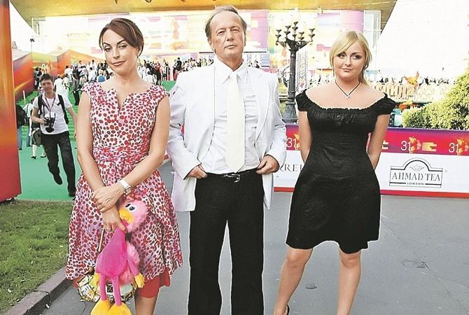 Задорнов со второй женой Еленой и их дочерью.