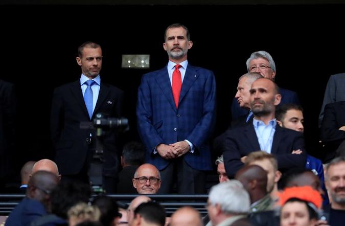 Филипп VI на матче Олимпик Марсель - Атлетико Мадрид.