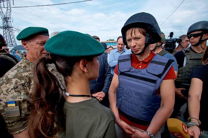 Президент Эстонии посетила Донбасс фото 2