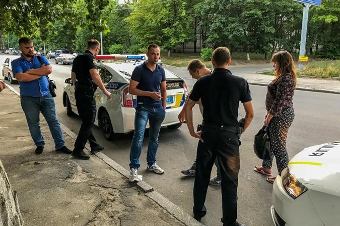 Стрельба в центре Киева: местные жители повздорили с людьми, зашедшими во двор фото 1