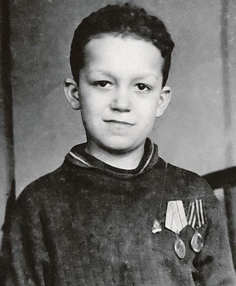 Иосиф в 1944 – можно сказать, что с тех пор он практически не изменился. Фото: uznayvse.ru