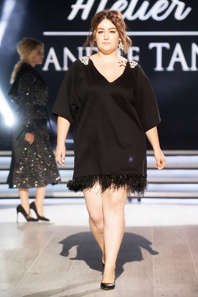 Коллекция Андре Тана для пышных девушек. Фото: fashionweek.ua