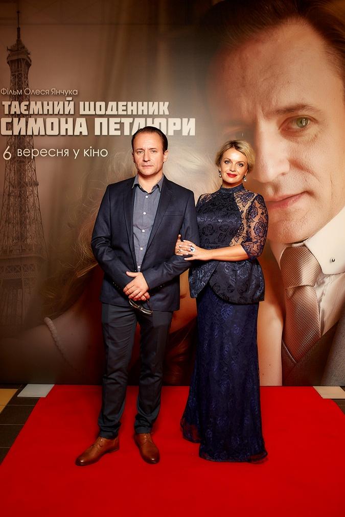 Сергей Фролов и Ирма Витовская сыграли в картине супругов Симона и Ольгу Петлюру.